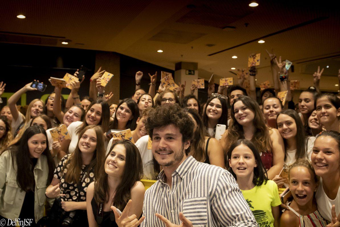 FIRMA DE DISCOS MIKI NUÑEZ 2019, DelfínJSF
